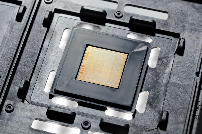 IBM POWER 10チップ
