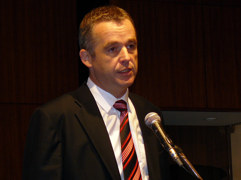 QLogic アジア太平洋・日本地域営業担当副社長のマーティン・ダーリン氏