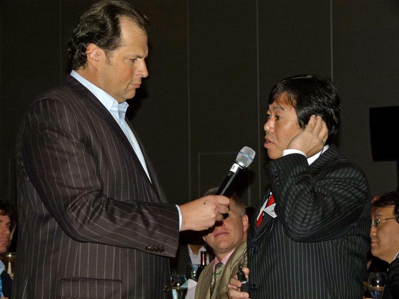 前総務大臣の原口一博氏もDreamforce 2010に参加。VIP LUNCHではベニオフ氏にコメントを求められ、クラウドの重要性に言及した