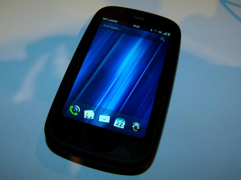 3.5型液晶を搭載したスマートフォンの「Pre3」
