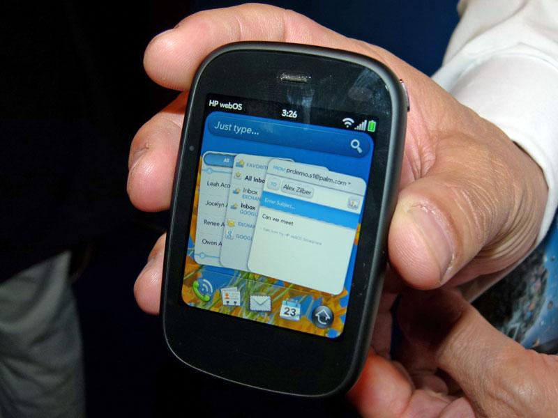 2.6型液晶を搭載したスマートフォン「Veer」