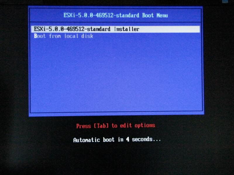 CD-ROMからvSphere 5.0のインストールディスクを起動。ESXi 5.0のインストールを指定する