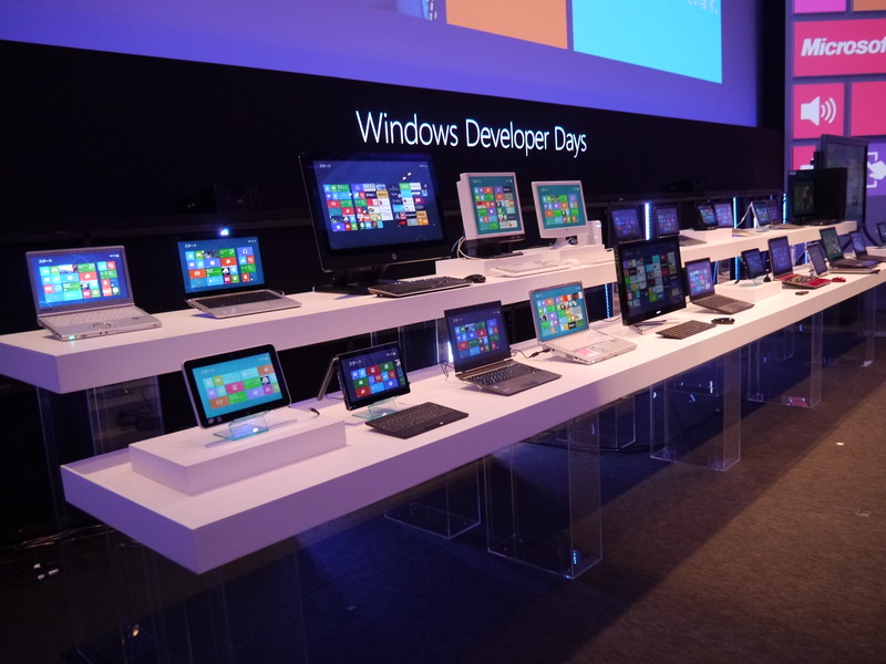 壇上に展示されていた数々のハードウェア