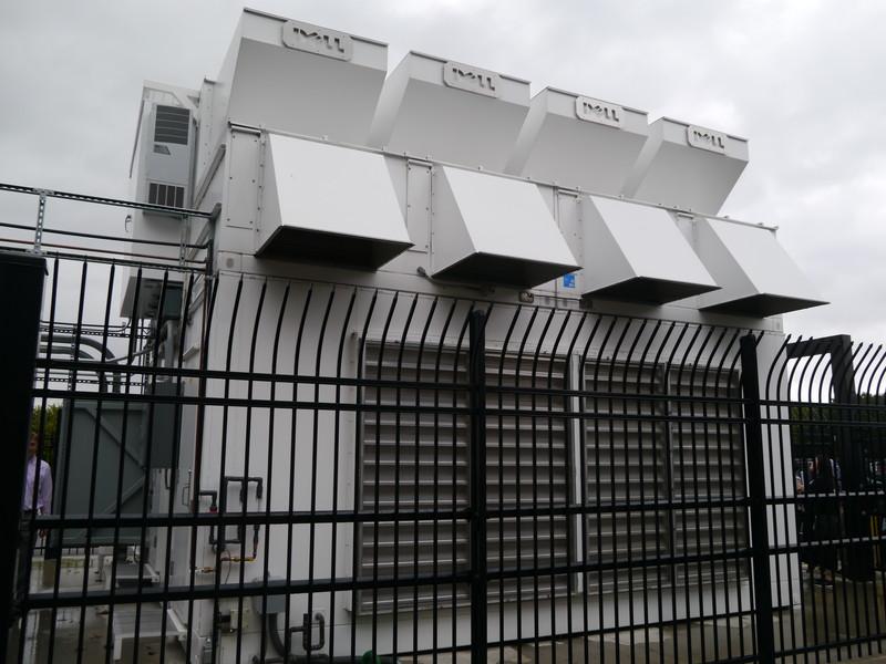 フェンスで囲われたDell Modular Data Center