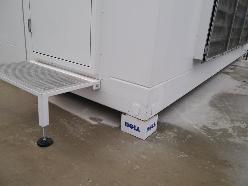 Dell Modular Data Centerの土台は簡易的な設置方法が採られている