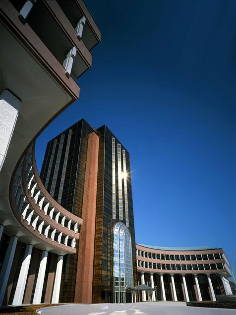 クラウドサービスセンターなどがある片柳研究所棟