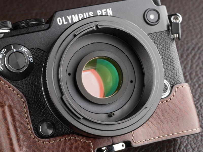 新型の補正レンズは4群4枚で、うち1枚は異常分散ガラスを用いてる