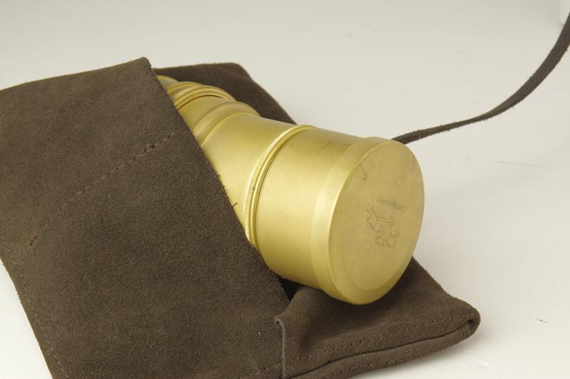 Daguerreotype Achromat 2.9/64 Art Lens(左奥からブラック、真鍮ゴールド)