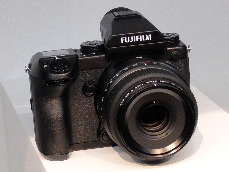 FUJIFILM GFX 50S(外付けEVF装着時)