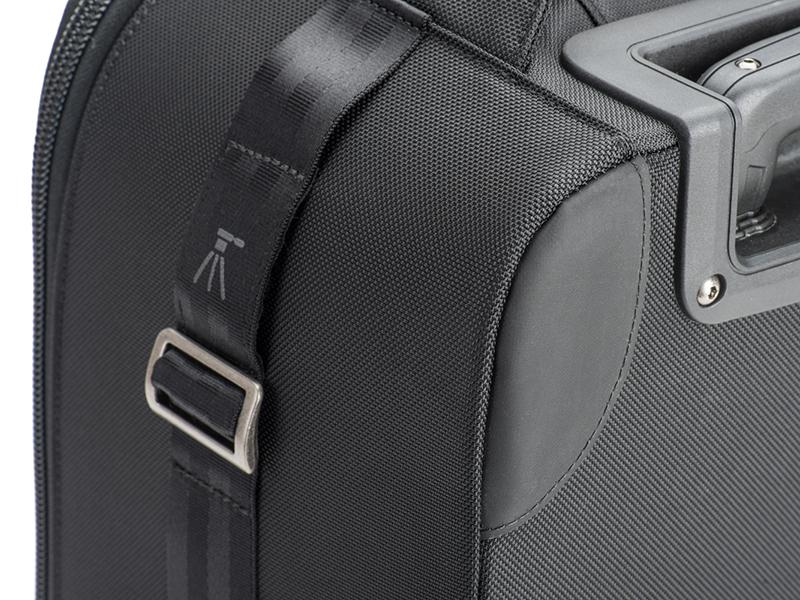 ハイパロンで補強されたバッグ背面のコーナー