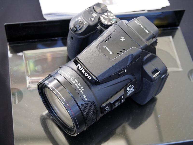 2,000mm相当となる光学83倍の超望遠ズームが可能なコンパクトデジタルカメラ「COOLPIX P900」。発売は2015年3月だが、根強い人気があるという。
