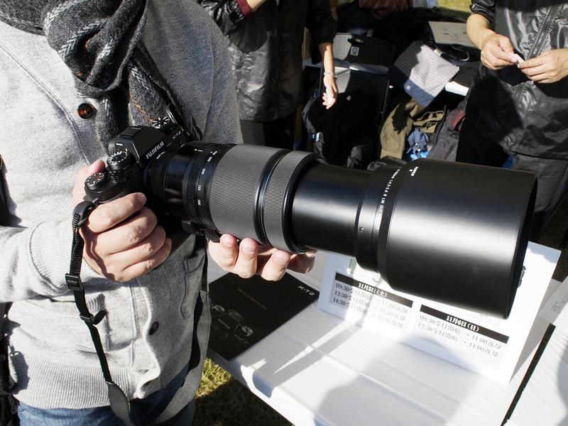 FUJIFILM X-T2とXF100-400mmF4.5-5.6 R LM OIS WR。このセットで来場者への貸し出しも行われた。
