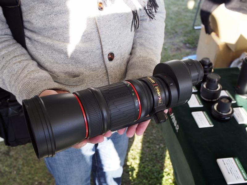 「PROMINAR 500mm F5.6 FL マスターレンズキット」。別売のアダプタを利用することで、350mm F4、500mm F5.6、850mm F9.6の望遠レンズとして利用できるようになる