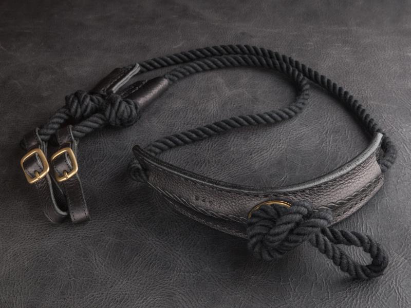 エイトノットブラックは税込7,600円。一見するとゴツそうなロープだが、綿製なのでやわらかく肌触りもよい。