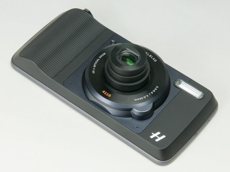 Moto Zに装着したHasselbladのTrue Zoom