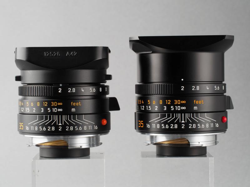 従来ズミクロン35mmとの外観比較。右が現行型。大きな違いはフード形状だが、絞りリングの幅なども異なる。