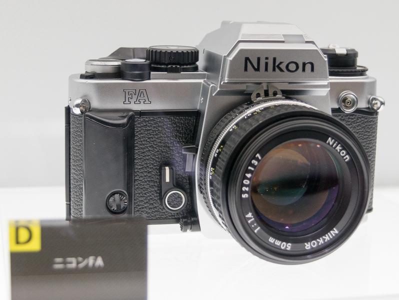 世界初の多分割マルチパターン測光を採用した「ニコンFA」(1983年)