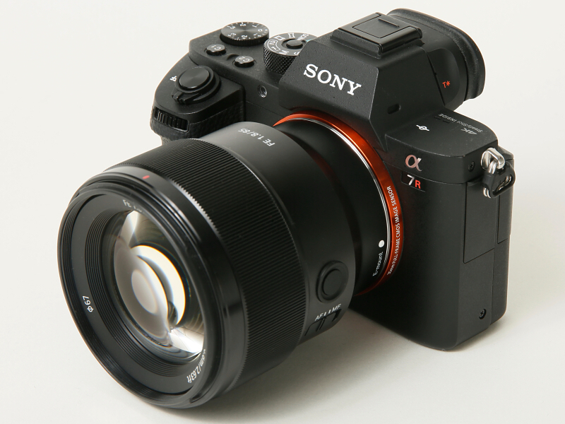 カメラはα7R II(以下同)