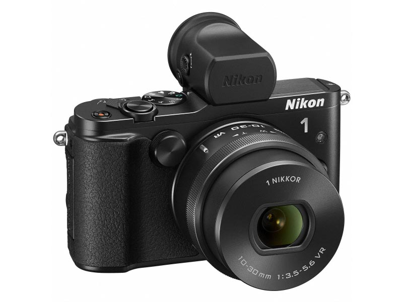 Nikon 1 V3。オプションの「電子ビューファインダーDF-N1000」を装着した状態。