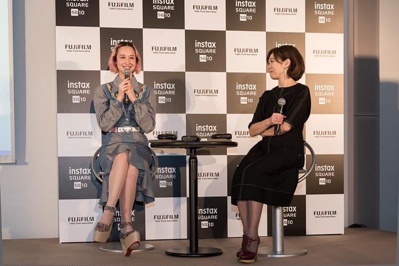 左から水原佑果さん、田中杏子さん。