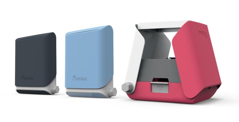 カラーは「SUMI」「SORA」「SAKURA」の3色で展開。使用しないときにはコンパクトに折り畳めるので、持ち歩きにも便利。