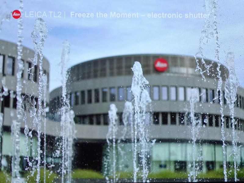 新搭載の機能である最高1/40,000秒の電子シャッターで噴水を写し止めた