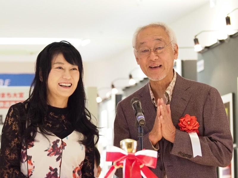フォトライターの矢野直美さん(左)、鉄道写真家の広田尚敬さん(右)