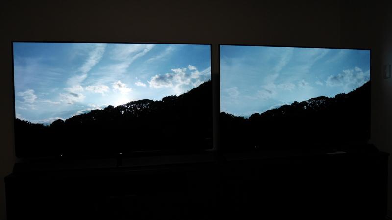 左が4K HDR、右が4K SDR。GH5で撮影したSDカードをテレビに入れている