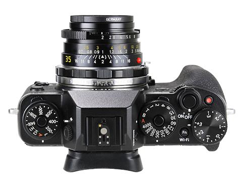 焦点工房、ライカM→富士フイルムXの接写対応マウントアダプター 装着例