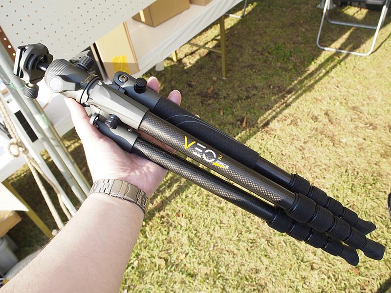 最大パイプ径23mmの5段カーボン三脚「VEO 2 235CB」。