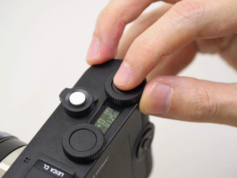 中央のボタンでダイヤル機能が切り替わる。