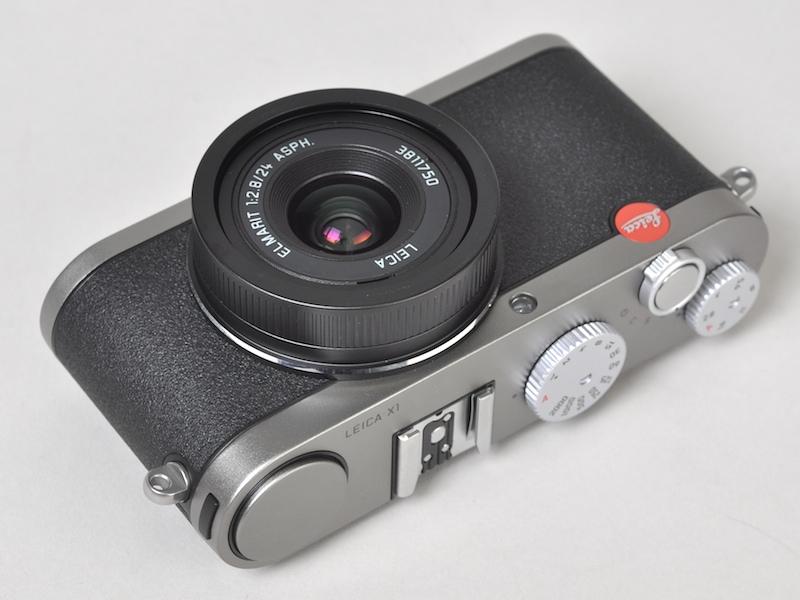 参考:ライカ初のAPS-Cカメラ、ライカX1(2009年)