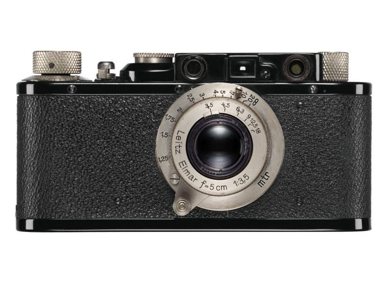 参考:バルナックライカの一例、ライカII型(1932年)