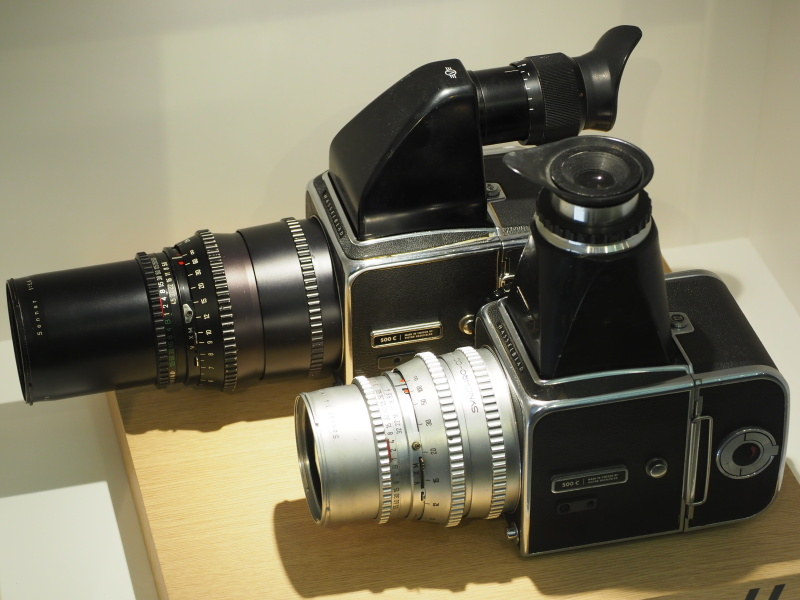 歴代カメラの展示もある。こちらは有名な500シリーズ