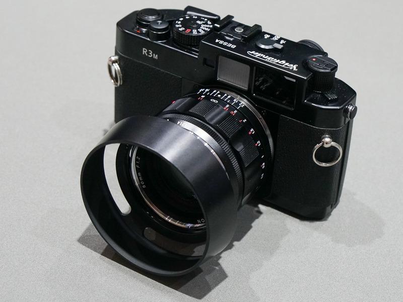 参考展示の「NOKTON 50mm F1.2 Aspherical VM」をBESSA R3Mに装着。