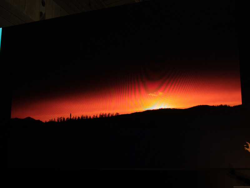 調整後。見せたい夕日の部分がより印象的になるようにしている。