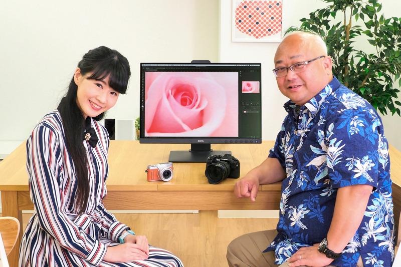 24インチPCディスプレイ「SW240」について語り合う片岡三果さん(左)と礒村浩一さん(右)。