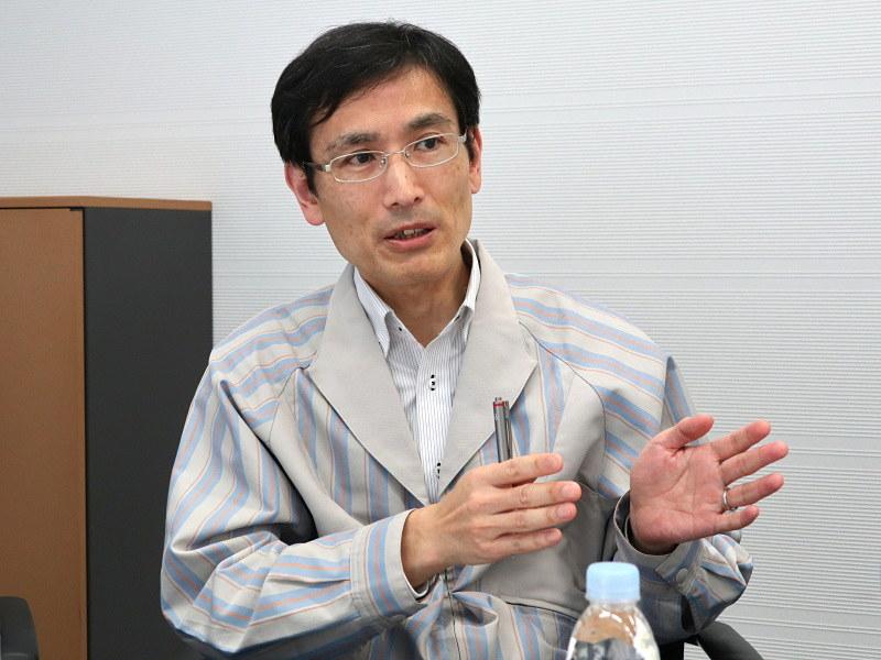製品チーフの飯田誠二氏。