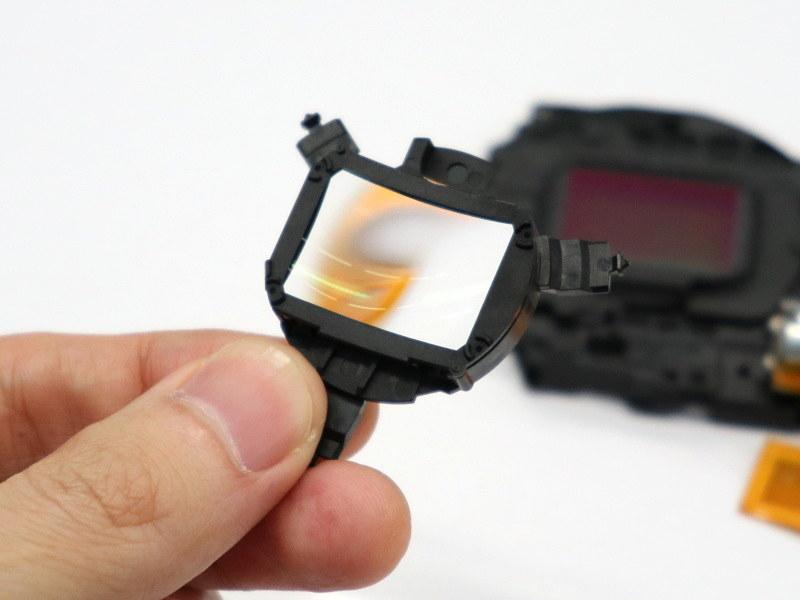 イメージセンサー直前のレンズ。