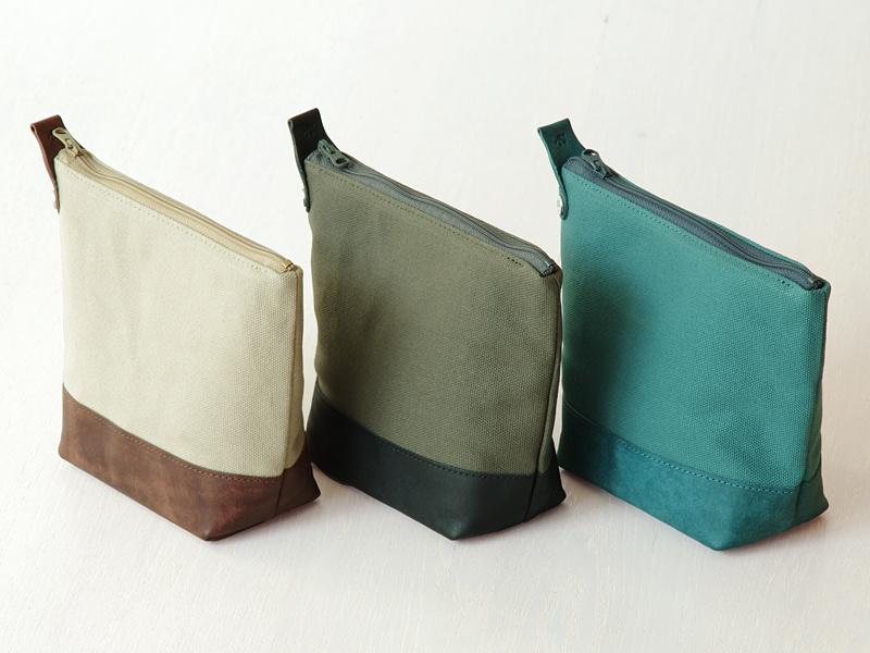 カラーは左からチョコレート、ブラック、オルテンシアの3色を用意
