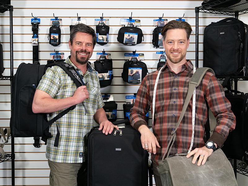 マーケティングマネージャーのTed Meisterさん(左)、プロダクトデザイナーのJoseph H. Hanssenさん(右)。