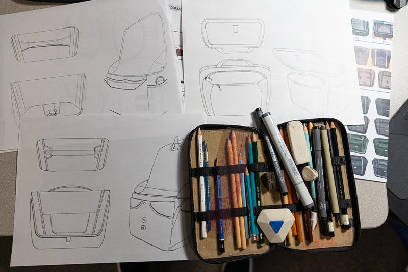 バッグのデザインスケッチ。
