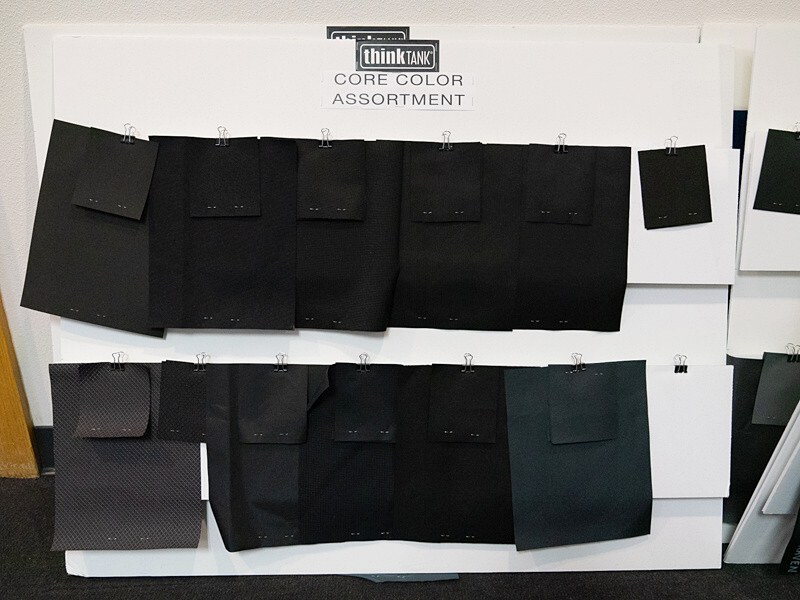 シンクタンク製品の色見本。