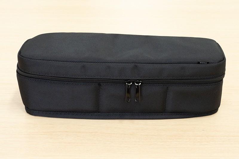 外装素材やジッパーは、従来のシグマレンズに付属しているケースで採用されているものと同じだと思われる。