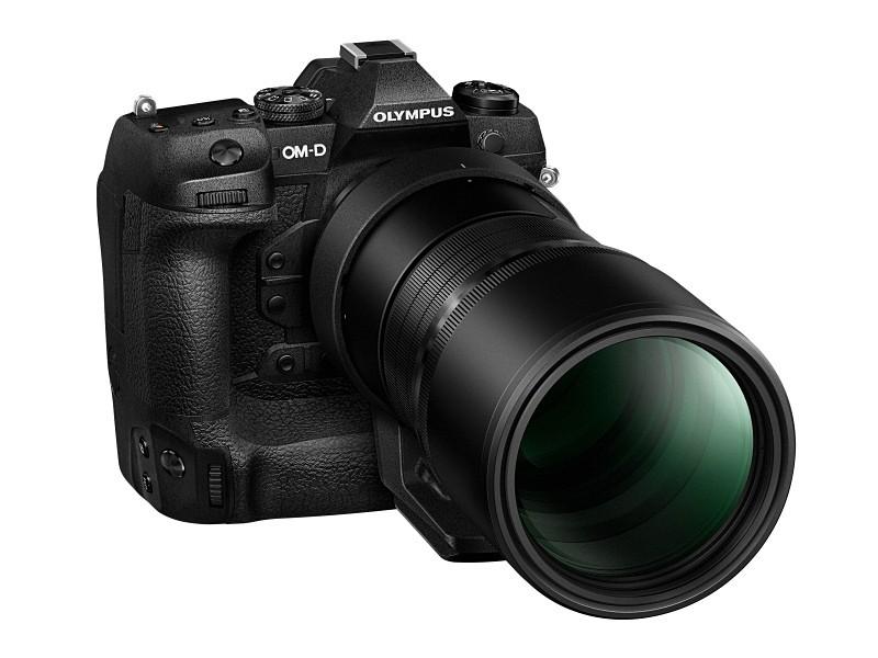M.ZUIKO DIGITAL ED 300mm F4.0 IS PRO装着例。