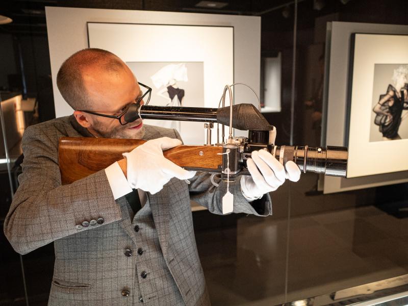 Lot.200 ニューヨークライツ製のライカ ガン ライフル。ミラーハウジングとテリート20cm F4.5を組み合わせている。開始価格10万ユーロ、落札価格26万4,000ユーロ。
