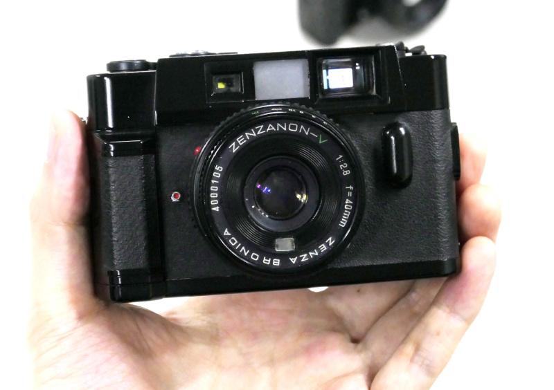 超小型レンズ交換式レンジファインダーカメラのVX-1