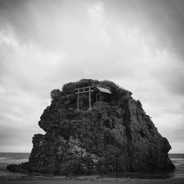 千代田路子写真展「幾へにも—ふたつの旅ひとつの物語」より
