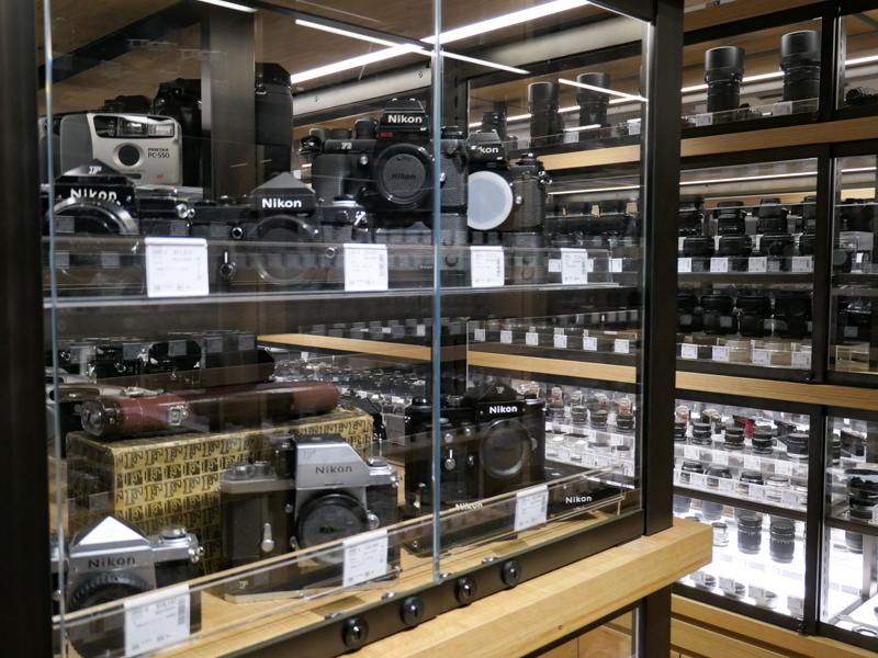 中古フィルムカメラのコーナー。