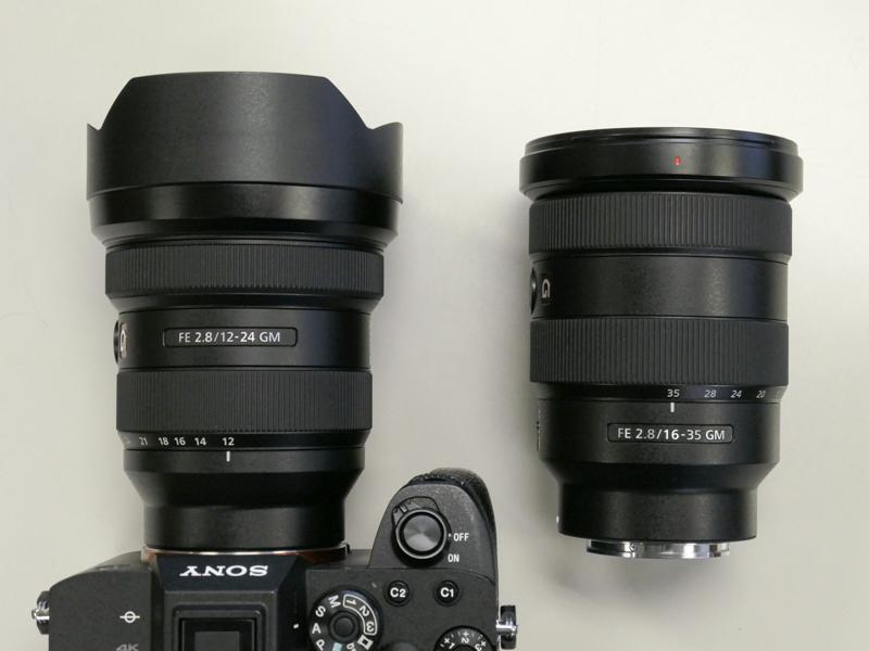 FE 12-24mm F2.8 GMとFE 16-35mm F2.8 GM(右)。